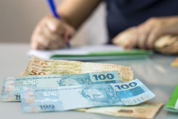 O empréstimo com restrição