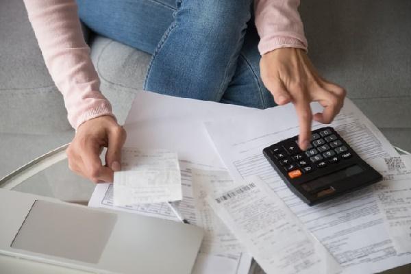 6) Negocie suas dívidas