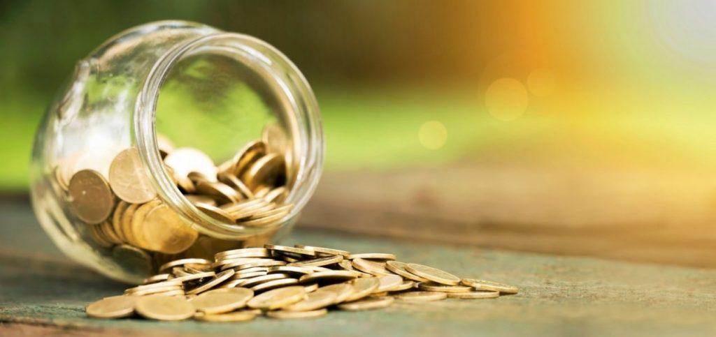 pote com moedas
