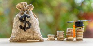 Prós e contras de fazer um empréstimo para pagar a faculdade