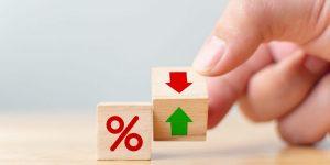 Qual é a diferença entre taxa cet e taxa iof?